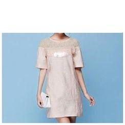 草莓花朵 - 短袖亮片蕾丝边连衣裙