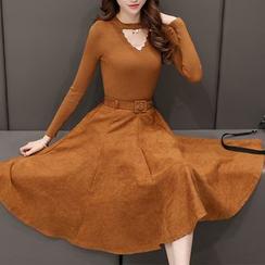 Romantica - 套裝: 長袖鏤空上衣 + A字短裙