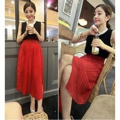 QZ Lady - Set: Sleeveless Chiffon Top + Accordion Pleat Midi Skirt