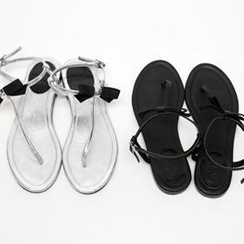 1ROA - Bow-Accent Thong Sandals