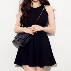 Isadora - Sleeveless A-Line Knit Dress
