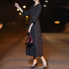 Ashlee - 3/4-Sleeve Plaid Maxi Dress