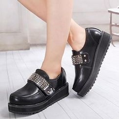 Mancienne - Studded Flat Loafers