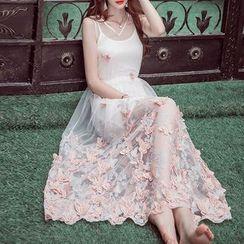 MUSI - Butterfly Applique Sleeveless A-Line Maxi Dress