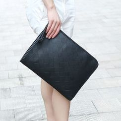 Yiku - Faux Leather Clutch