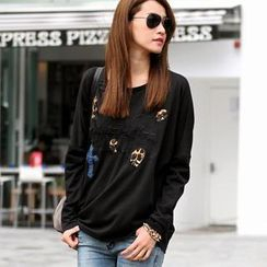 SO Central - Long-Sleeve Skull Appliqué Top