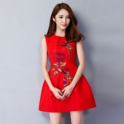 Cobogarden - Embroidered Flower Sleeveless Dress