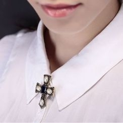 Chidori - Rhinestone Cross Brooch