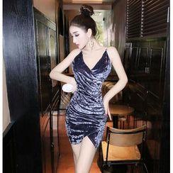 Baliz - Chain Strap Velvet Bodycon Dress