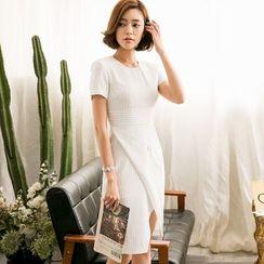 Eleganza - Short-Sleeve Slit Sheath Dress