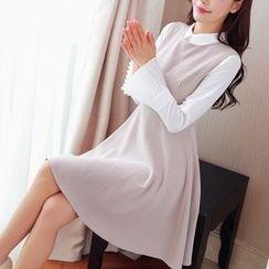 Cobogarden - Bell-Sleeve Collared Dress