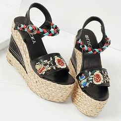 Mancienne - Embroidered Woven Wedge Sandals