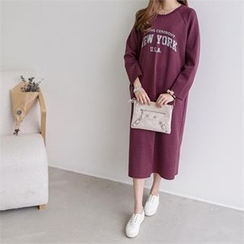 PEPER - Raglan-Sleeve Lettering Long Dress
