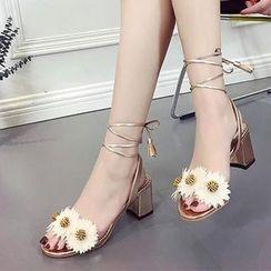 Chryse - 花形繫帶粗跟涼鞋