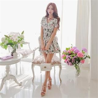 Babi n Pumkin - V-Neck Shirred-Sleeve Patterned A-Line Dress with Belt