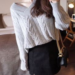lilygirl - V-Neck Cable-Knit Sweater