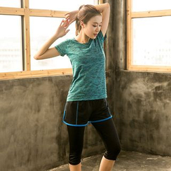 PUDDIN - 运动套装: 短袖T恤 + 短裤内搭裤