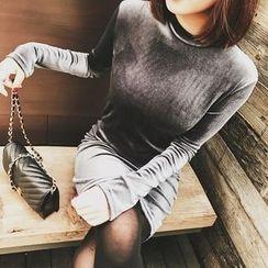Jack Grace - Long-Sleeve Velvet Dress
