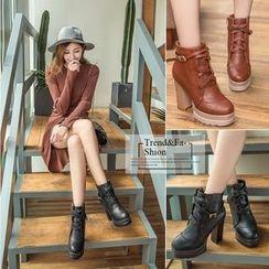Yoflap - Block Heel Short Boots