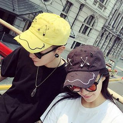 JUN.LEE - Safety Pin Ripped Baseball Cap