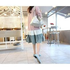 MARSHMALLOW - Maternity Ruffled-Hem Color-Block Midi Dress
