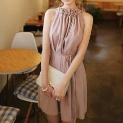 YUMU - Frill Collar Sleeveless Dress