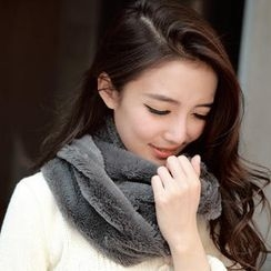 Cuteberry - Furry Circle Scarf