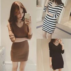 QZ Lady - Long-Sleeve Sheath Knit Dress
