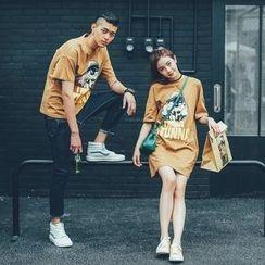Simpair - 情侶款印花短袖T恤 / 印花中袖T恤裙