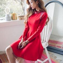 Dowisi - Embellished Long Sleeve A-Line Dress