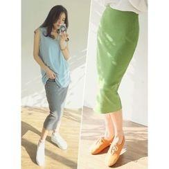 LOLOten - Rib-Knit Midi Pencil Skirt
