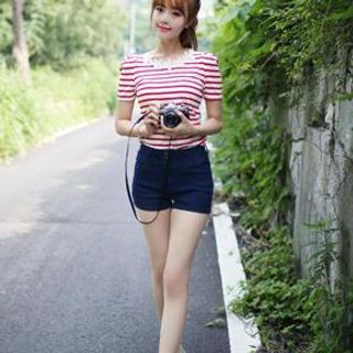 Bongjashop - Button-Accent Denim Shorts