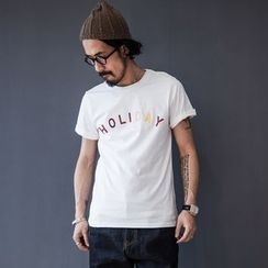 YIDESIMPLE - 'HOLIDAY' Print T-Shirt