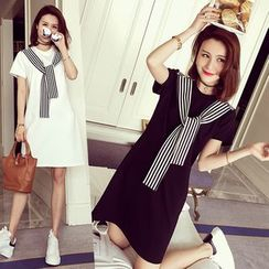Lovebirds - Short-Sleeve Tie-Neck T-Shirt Dress