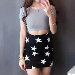 Jolly Club - Set: Cropped Top + Star-Print Skirt
