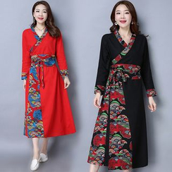 Diosa - Chinese Panel Long-Sleeve Dress