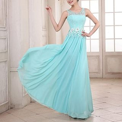 名贵风格 - Floral Applique Rhinestone-Studded Evening Gown