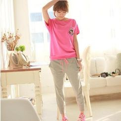 Chuvivi - Set: Short-Sleeve Appliqué T-Shirt + Sweatpants