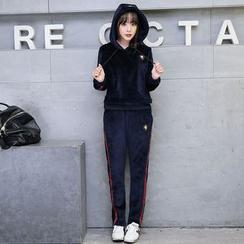 Romantica - Set: Hooded Velvet Pullover + Sweatpants