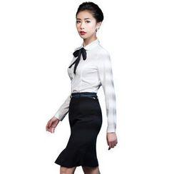 艾尚臣 - 套裝: 長袖襯衫 + 前開叉短裙