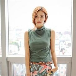 Styleberry - Turtle-Neck Sleeveless Top