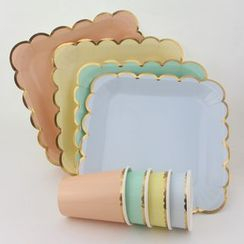 Palmy Parties - Scallop Disposable Plates & Cups / Napkins