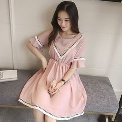Colorful Shop - Short-Sleeve Paneled Chiffon Dress