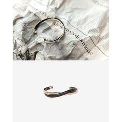 UPTOWNHOLIC - Metallic Open Bracelet