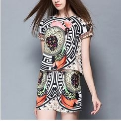 Rosesong - Set: Printed Short Sleeve T-Shirt + Printed Skort