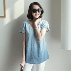 mayblue - V-Neck Perforated Gradient T-Shirt