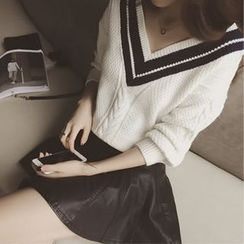 Champi - V-Neck Cable-Knit Sweater