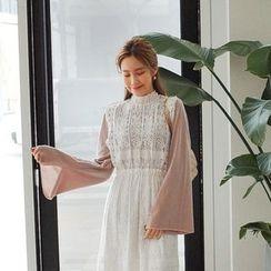 Cherryville - Slit Kimono-Sleeve T-Shirt