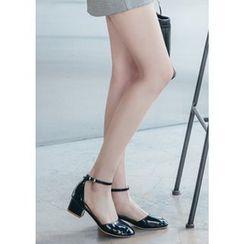 Chlo.D.Manon - Ankle-Strap Patent D'Orsay Pumps
