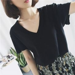 Dasim - Short-Sleeve V-Neck T-Shirt